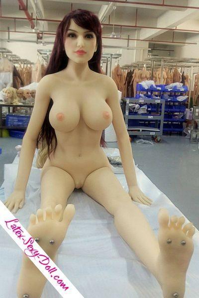 Photo sex doll sortie usine